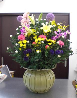 ②生花篭1篭 本体価格15,000円